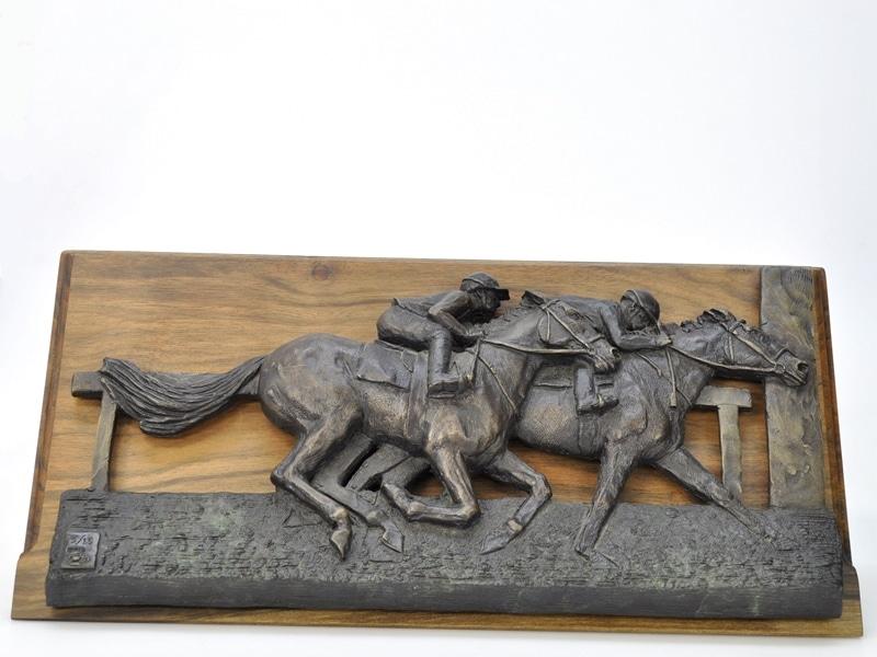 bronze horse racing