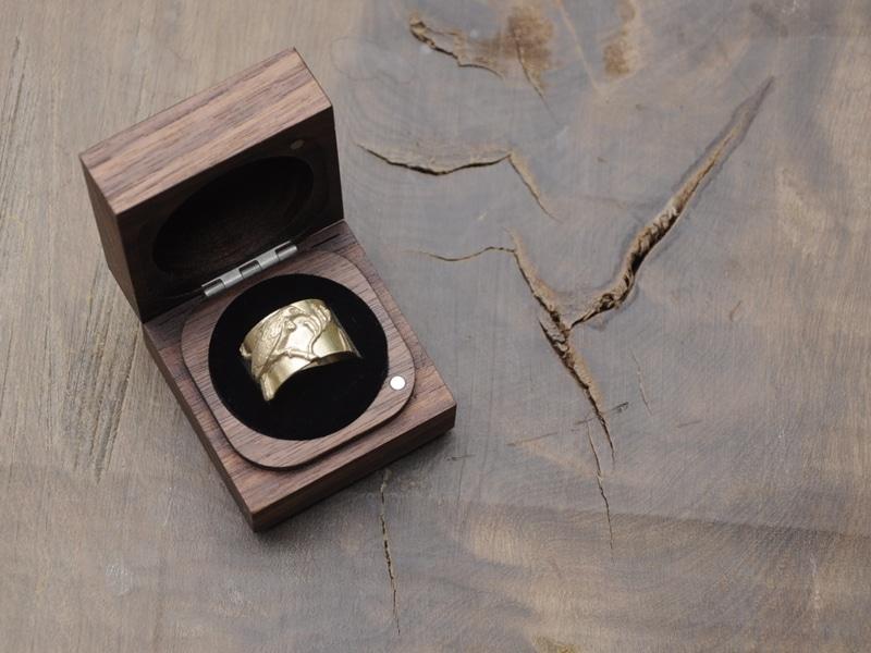 gold ring tui