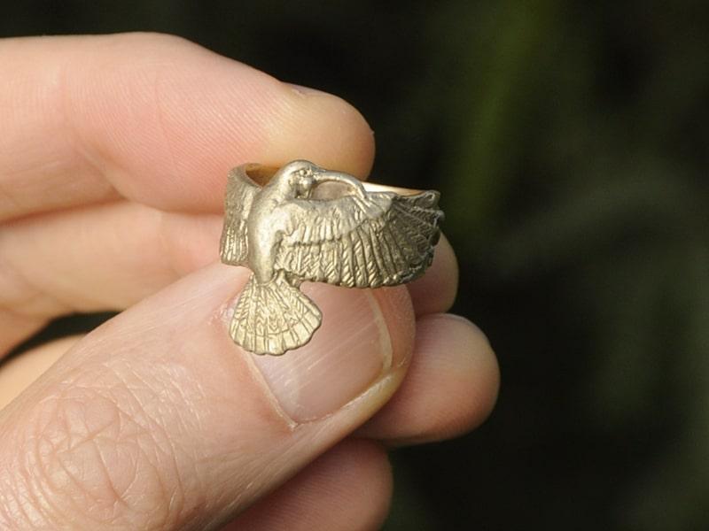 gold huia ring